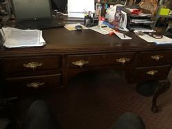 Chippendale íróasztal