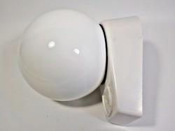 Régi Szarvasi fürdőszoba lámpa konnektorral , üvegburás , borotválkozó lámpa