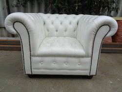 Chesterfield fehér fotel