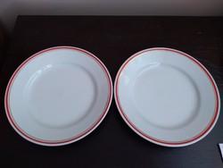 Zsolnay tányérok (2db)