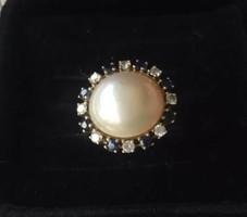 Zafírokkal-gyémántokkal 585/14kr.arany gyűrű. Német Tanúsítvány