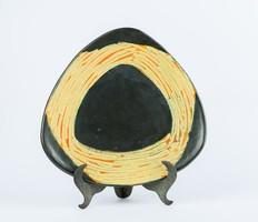 Retro iparművészeti vállalat forgalmazta kerámia falitányér - fekete-narancssárga háromszög