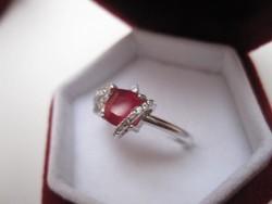 Fenséges, arisztokratikus gyűrű természetes vérvörös rubin köves 925