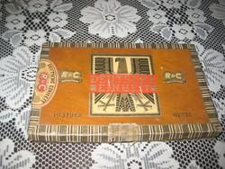 Szumátriai  szivarok  11 cm -esek  érdekessége ,hogy a  Német Egység tiszteletér  a doboz  19x 12 cm