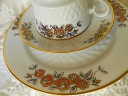 Freiberger Porcelán reggeliző szett, csésze kistányérok, barna mintázat, 1954