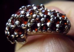 925 ezüst gyűrű 17,5/55 mm, gránátokkal