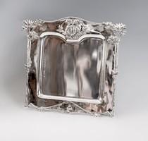 Ezüst tálca, házasságkötési ajándék.