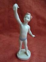 Aquincumi porcelán kislány figura
