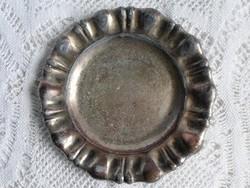 Régi jelzett hólyagos, ezüstözött kopott tálca  19 cm