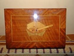 Gyönyörű intarziás cigaretta doboz