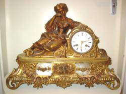Nagyméretű figurális Francia kandallóóra