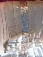 Ezüstös szürke flitteres ágysál