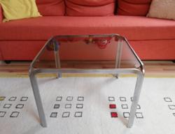 Skandináv retro design dohányzó asztal krómacél és füstüveg
