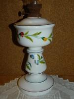 Antik festett tejüveg petroleum lámpa.