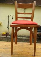 Nagyon masszív keményfa nehéz tömzsi fa szék