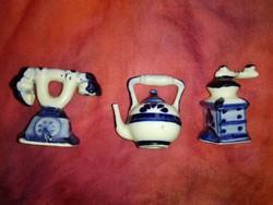Miniatűr, porcelán konyhai eszköz....