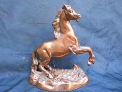Ló szobor.