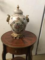 19.századi kupakos váza