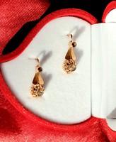 Arany fülbevaló gyémánt kövekkel