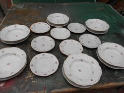 Zsolnay tányér készlet 18db.Arany kontúrokkal.