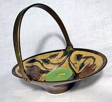 Réz lehajtható füles ovális dombor vésett és festett virágos kosárka,szerencsehozó zöld mécsessel