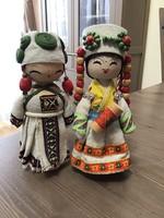 Régebbi fából készített keleti dísz babák párban