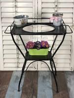 Antik felújított vas asztal fekete.