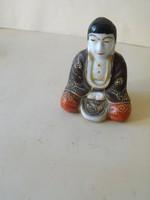 Japán űllő buddha