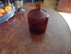 Nagy régi öblös barna patika üveg