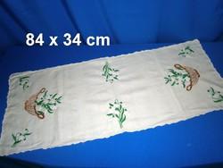 0a910a7487 Sárga alapra kézzel hóvirág mintával hímzett futó, terítő 84 x 34 cm ...