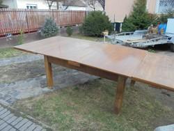 Kihúzható ebédlő asztal (20 személyesre is) , kastélybútornak is alkalmas, RITKASÁG