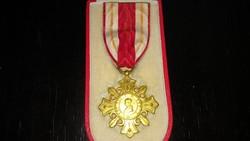 """Vatikán 1888. """"Pro Ecclesia et Pontifice kitüntetés arany fokozata dobozával"""