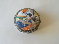 Japán porcelán doboz gésákkal