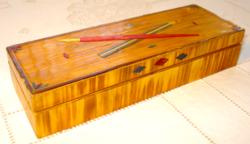 Különleges, régi, fa tolltartó