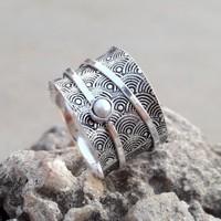 Sterling ezüst forgó gyűrű, gyönggyel