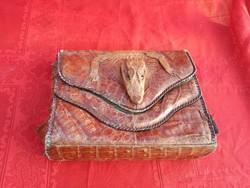 Antik krokodilbőr táska.