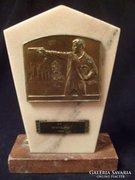 Lövész verseny sport díj 3 db -os márványon+ bronz plakett  19-cm