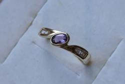 Ametiszt & fehér köves gyűrű /jelölt arany/