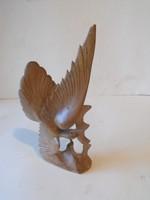 Fából faragott főnix madár