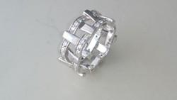 Ezüst különleges cirkonköves karikagyűrű 925
