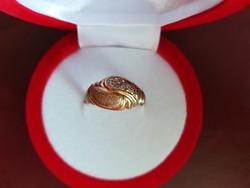 14 karátos arany gyűrű  cirkónia kövekkel