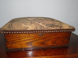 Régi fából készült doboz