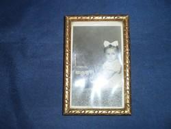 Régi fa képkeret régi bébi fotóval *378