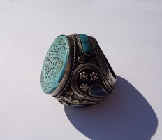 Eltúlzott méretű türkiz köves gyűrű