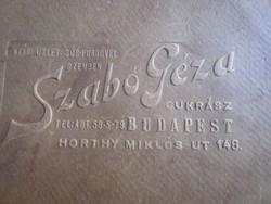 CUKRÁSZ CUKRÁSZAT DOMBOR NYOMOTT KARTON TORTA DOBOZ REKLÁM 1922 HORTHY MIKLÓS UT BUDAPEST SZABÓ GÉZA