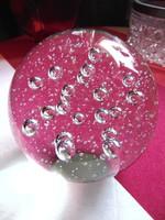 Víztiszta buborékos üveg levélnehezék