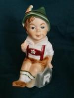 Bertram német porcelán figura, fiú népviseletben