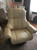 Calgary relax fotel krém színű bőr kárpitozással dió lábbal