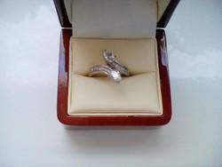 Csodaszép cirkon köves ezüst gyűrű