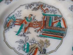 Gyönyörű antik, részben kézzel festett fajansz tányérok